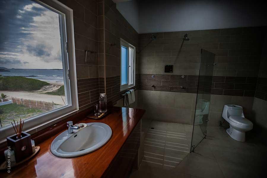 Hôtel Iguana Crossing aux Galapagos: salle de bain