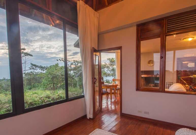 Royal Palm lodge aux Galapagos: villa salon