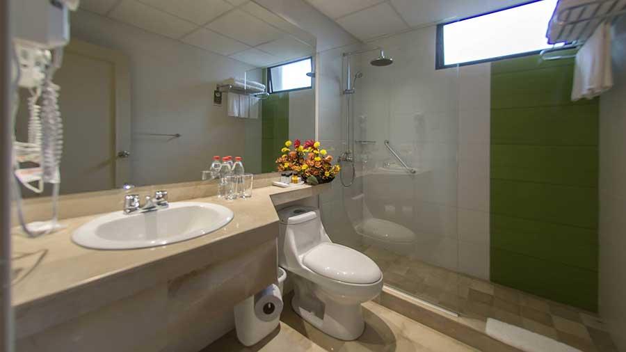 Grand Hotel Guayaquil, salle de bain