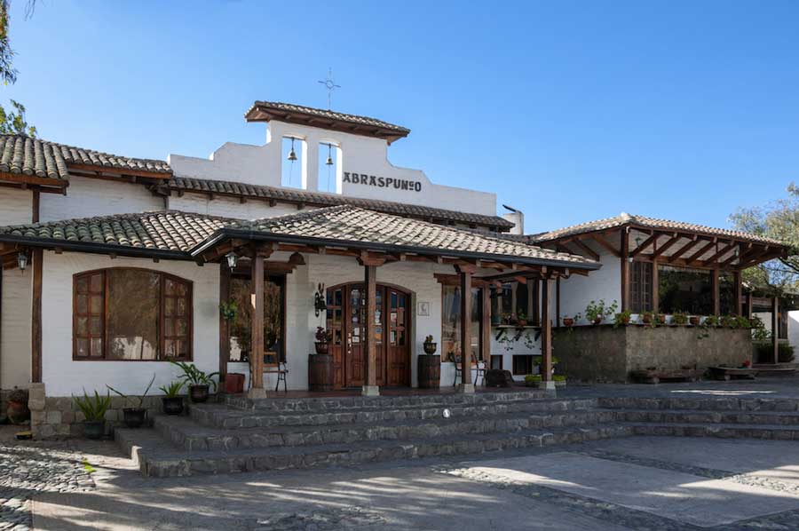 Hacienda Abraspungo, Riobamba, façade