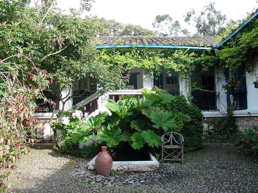 Hacienda Cusin, Otavalo, patio