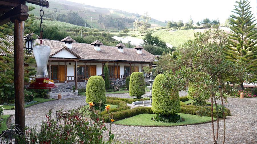 Hacienda Leito, Baños, extérieur