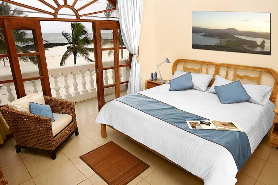 îles Galapagos: hôtel Albemarle, chambre vue mer