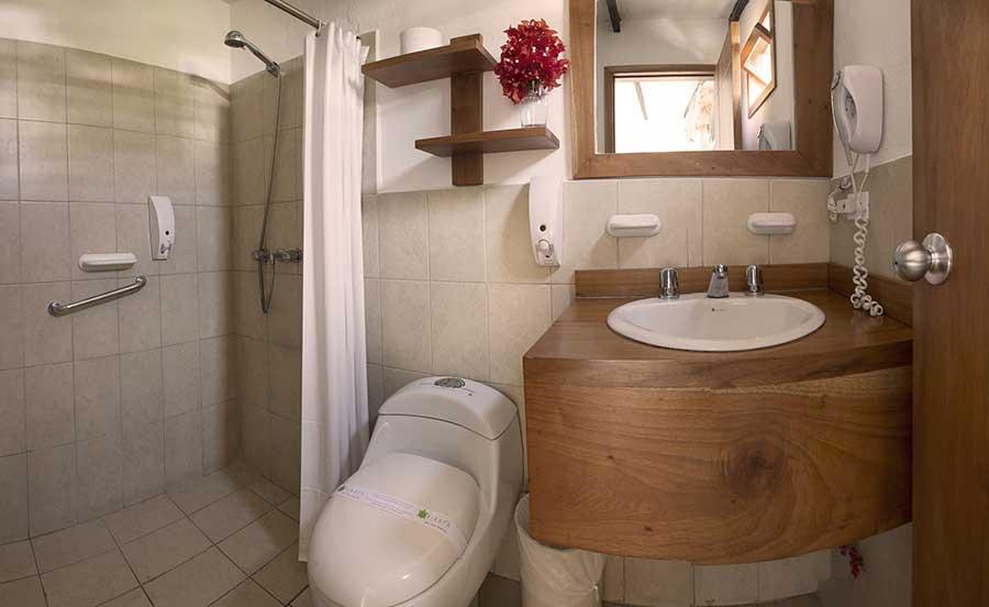 Hôtel Fiesta, îles Galapagos, salle de bain