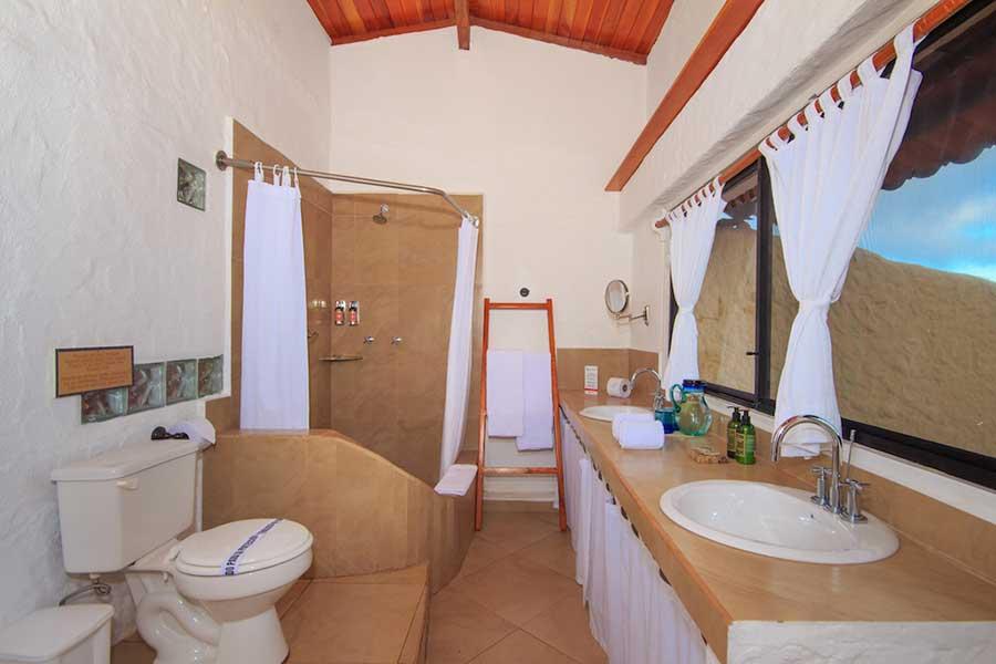 îles Galapagos: hôtel Galapagos Habitat, salle de bain