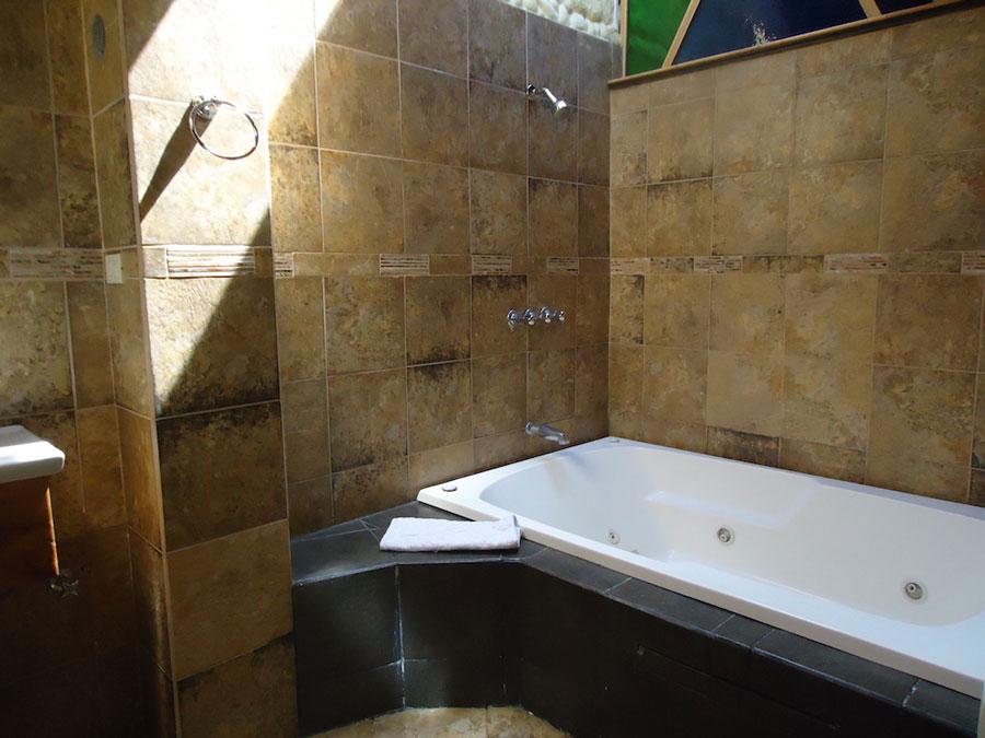 HôteI Isla de Baños, salle de bain suite