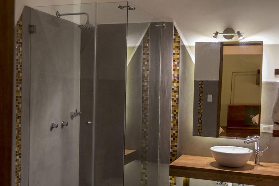 Hôtel Masaya, Quito, salle de bain