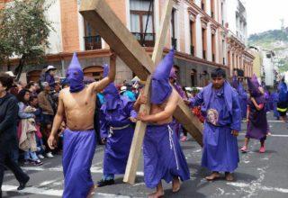 Procession de Jesus du Grand Pouvoir, Vendredi Saint, Équateur (crédit photo: El Universo)