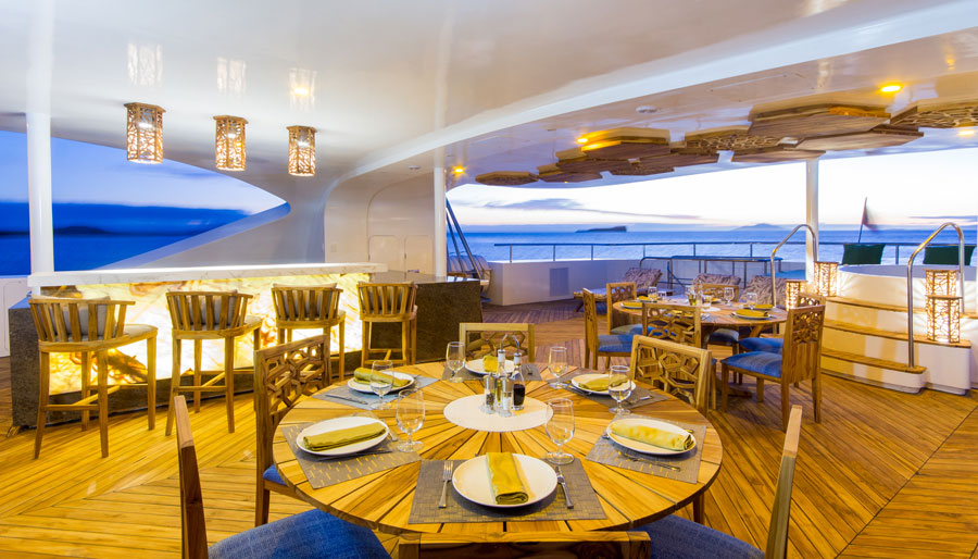 Croisière Elite Galapagos, restaurant extérieur