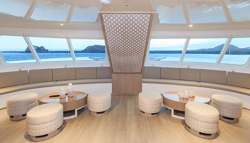 Catamaran Endemic, croisière de luxe aux Galapagos, salle de repos