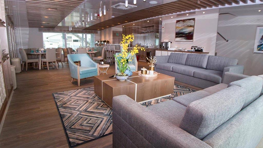 Catamaran Endemic, croisière de luxe aux Galapagos, salon