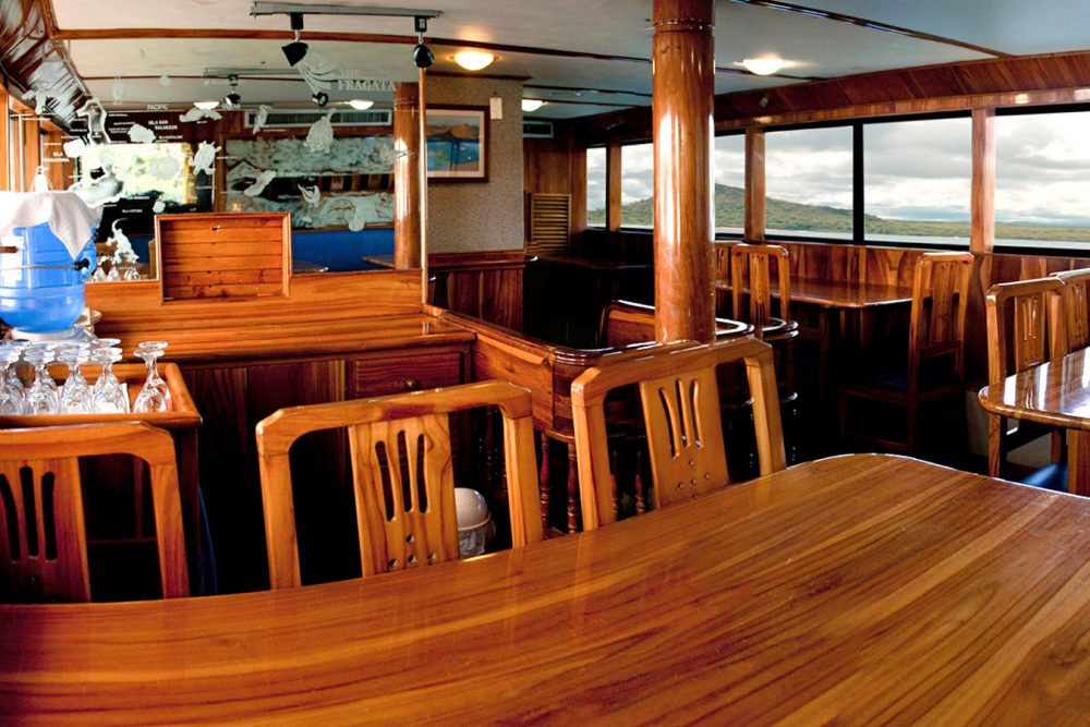 Croisière yacht Fragata aux Galapagos, restaurant